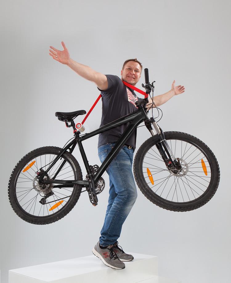 5-bike-lift-carry-by-mukomelov