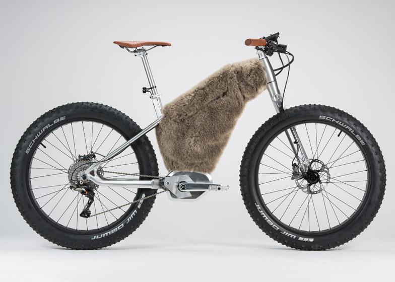 Starckbike-by-Philippe-Starck-and-Moustache-Bikes_dezeen_784_12