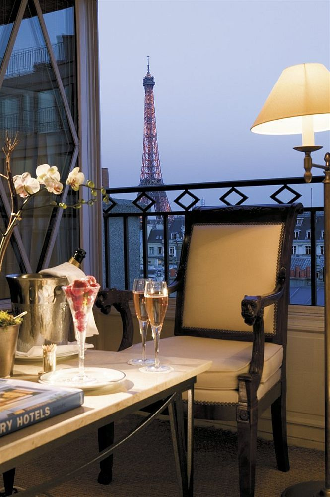 The Stylish and elegant Radisson Blue Le Dokhan's Hotel , Paris Trocadero