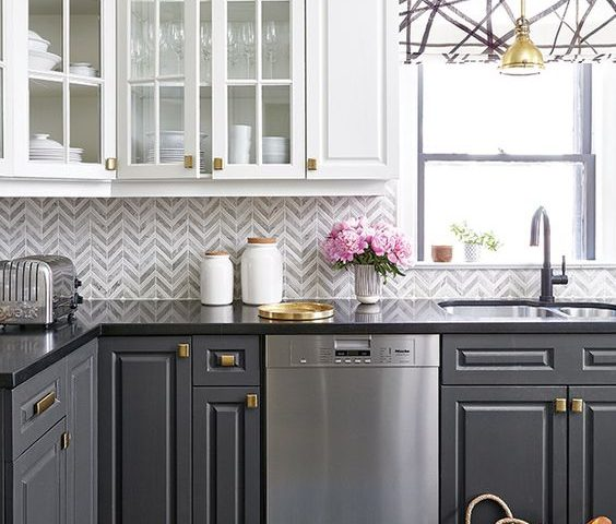 Try these Easy Kitchen Makeover Ideas for a Modern Decorating Look
