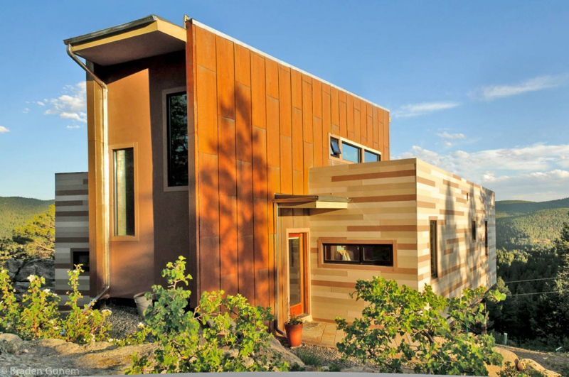 8 Stylish Yet Simple Houses Made By Shipping Containers
