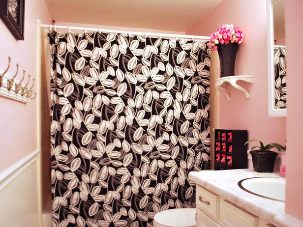 Elegant Black colored Curtains Representing Your Creativity