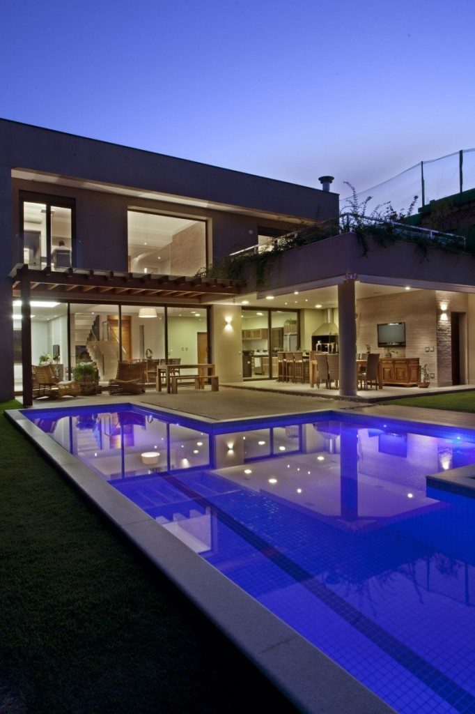 Simple Yet High Quality Contemporary House Designs