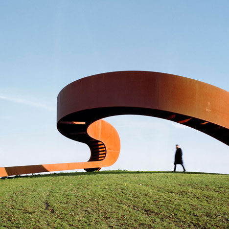 The-Elastic-Perspective-by-NEXT-Architects-_dezeen_1sq