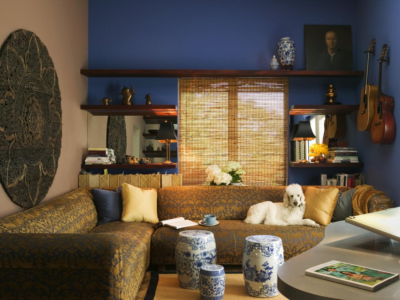 DP_Jane-Ellison-elegant-asian-style-living-room-blue-walls_s4x3.jpg.rend_.hgtvcom.1280.960