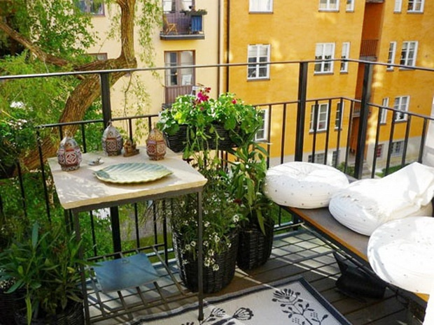 Amazing-Decorating-Ideas-for-Small-Balcony-16