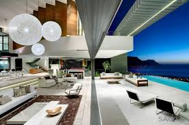 High ceilings in home decoration