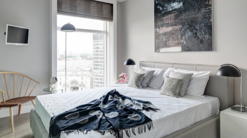 7 Glamorous Ideas to Decorate Your Bedroom This Holiday Season